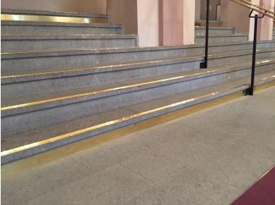 Contremarches d'escalier Laiton hôtel
