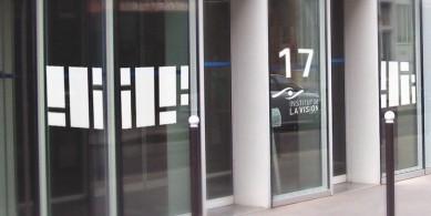 adhésifs pour vitrages et portes personnalisables